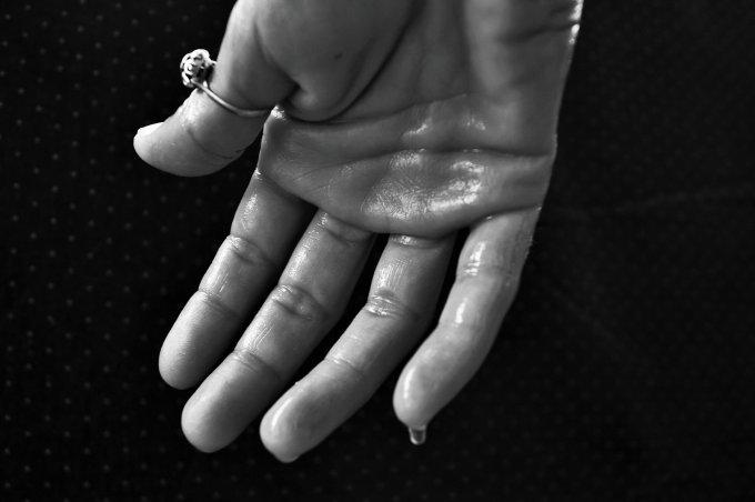 Który Palec Która Ręka Zasady Noszenia Pierścionka Zaręczynowego